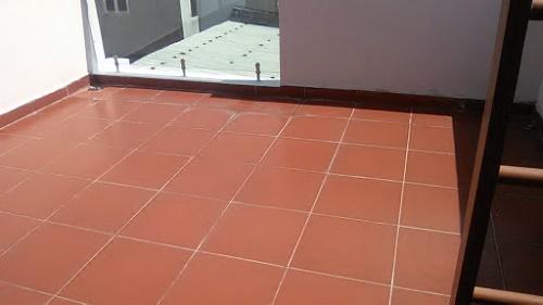 Lưu ý khi lát gạch chống thấm sân thượng