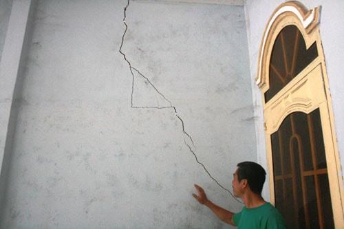 Vì sao, cách khắc phục nhà mới xây bị nứt nhiều chỗ-thấm dột